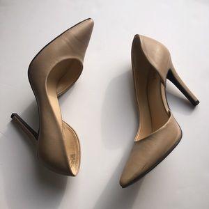 A.n.a nude heels